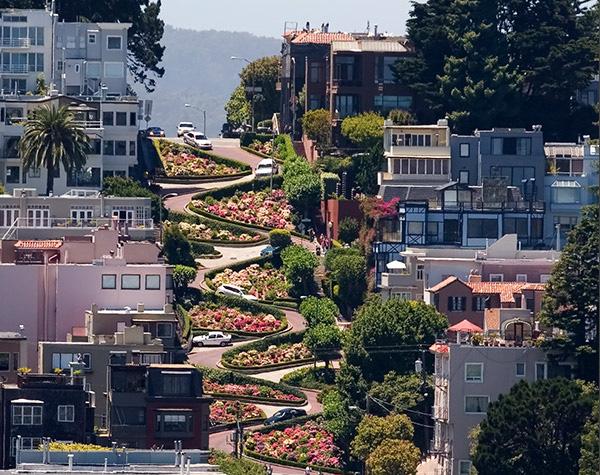 Lombard_Street-_San_Francisco,_CA